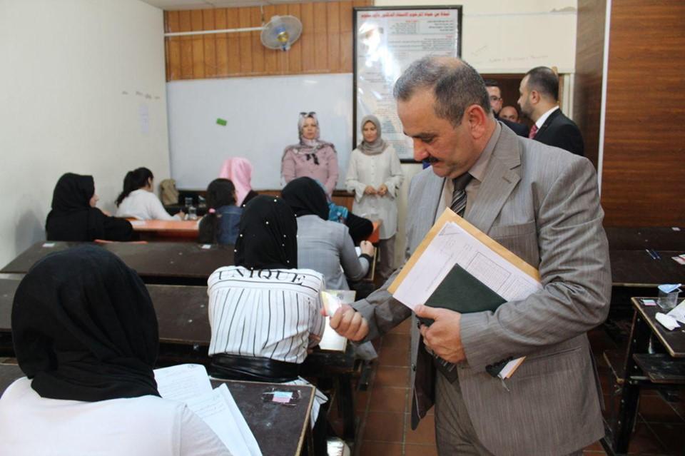 لجنة وزارية من مكتب المفتش العام تزور الكلية لتفقد سير الامتحانات النهائية